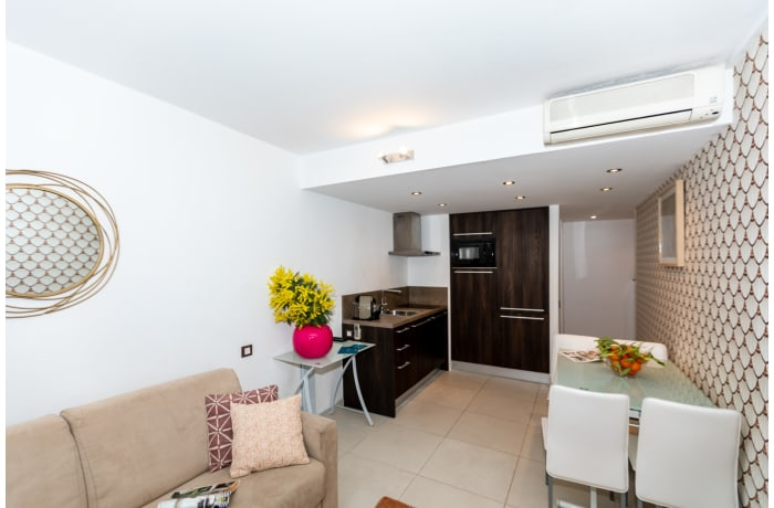 Apartment in Spacious Lovely Riviera 6E, Juan-les-Pins - 3