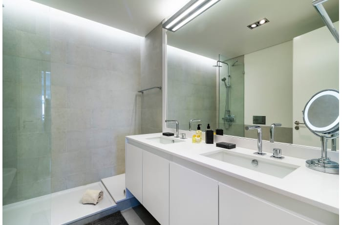 Apartment in As Flores III, Chiado  - 20