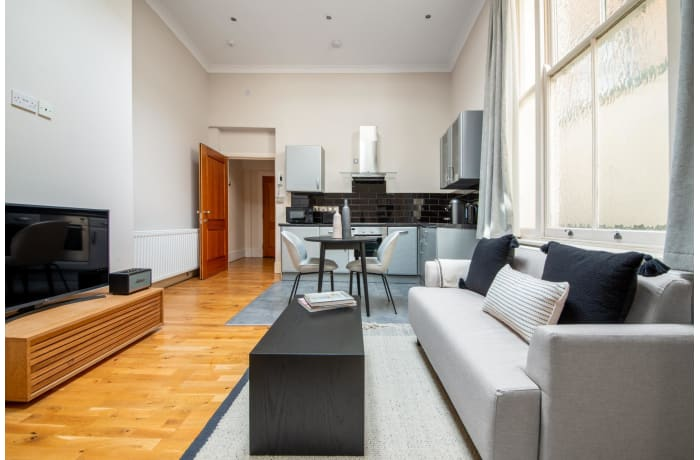 Apartment in Lancaster Gate, Bayswater - 1