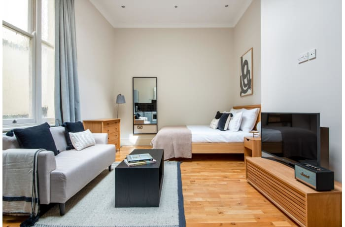 Apartment in Lancaster Gate, Bayswater - 3