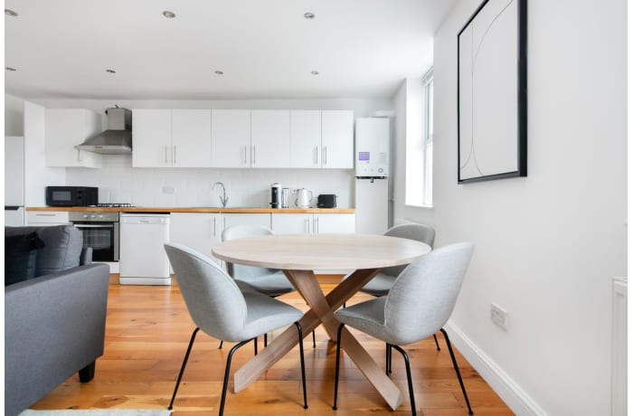 Apartment in Queensway II, Bayswater - 3