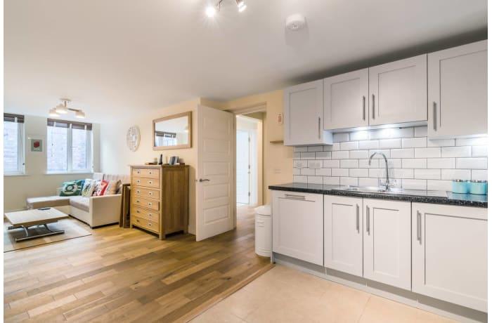 Apartment in Trinity Gardens, Brixton - 3