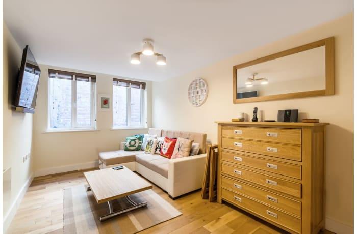 Apartment in Trinity Gardens, Brixton - 0