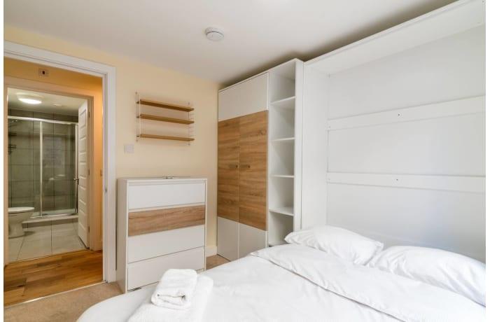 Apartment in Trinity Gardens, Brixton - 10
