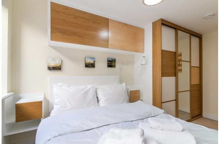 Apartment in Trinity Gardens, Brixton - 11