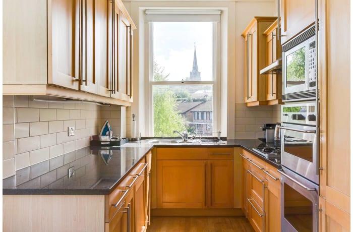 Apartment in Wimbledon Park, Wimbledon - 7
