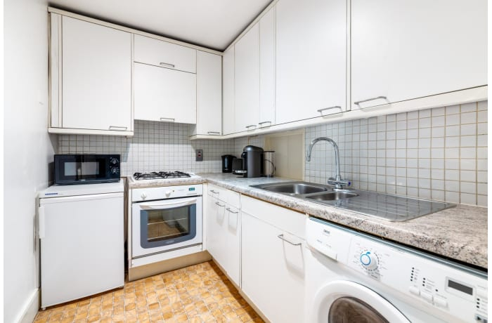 Apartment in Seven Dials Court, Covent Garden - 4