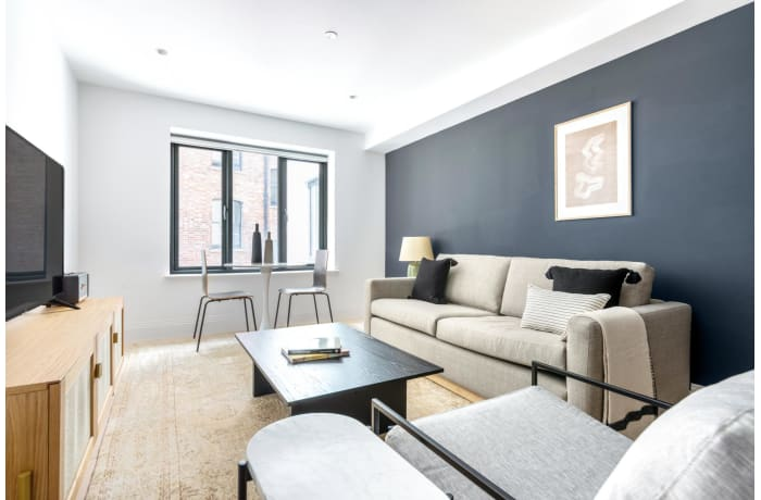 Apartment in Bourlet Close, Fitzrovia - 1