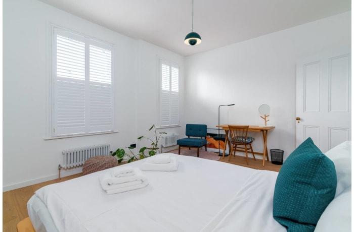 Apartment in Victoria Park Essence, Islington - 16