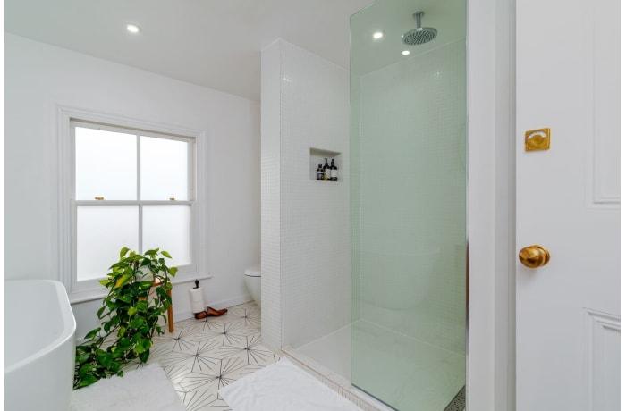 Apartment in Victoria Park Essence, Islington - 12
