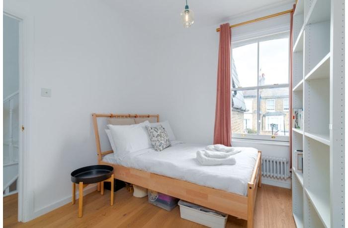 Apartment in Victoria Park Essence, Islington - 0