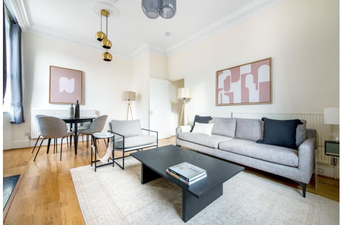Apartment in Glendower, Kensington - 1