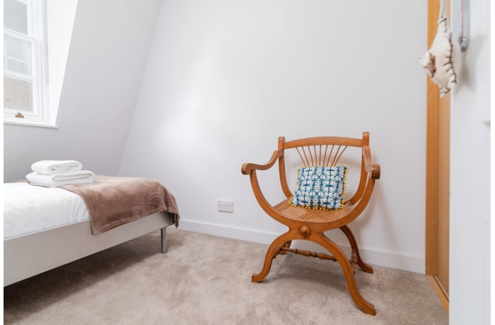 Apartment in West Kensington, Kensington - 19