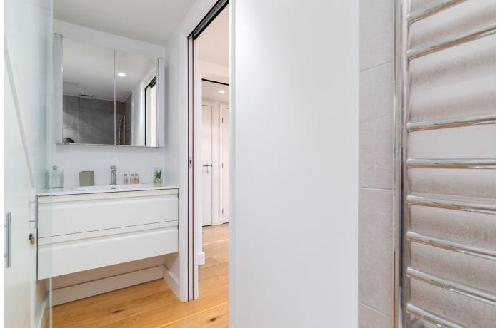 Apartment in West Kensington, Kensington - 12