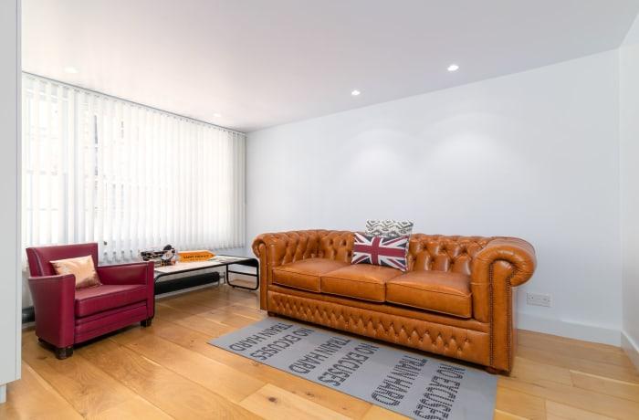 Apartment in West Kensington, Kensington - 6