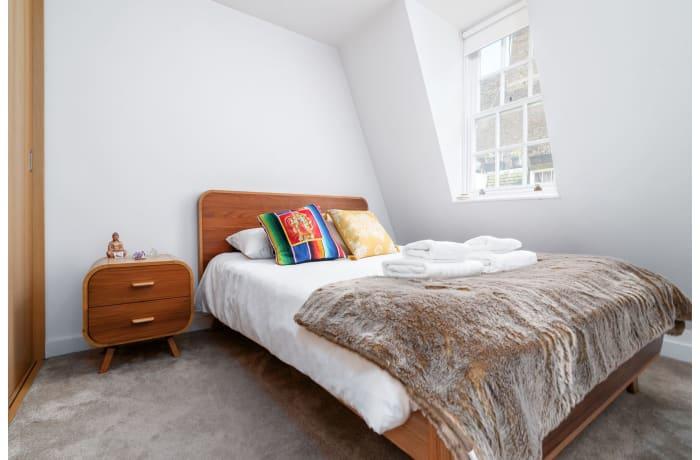 Apartment in West Kensington, Kensington - 9