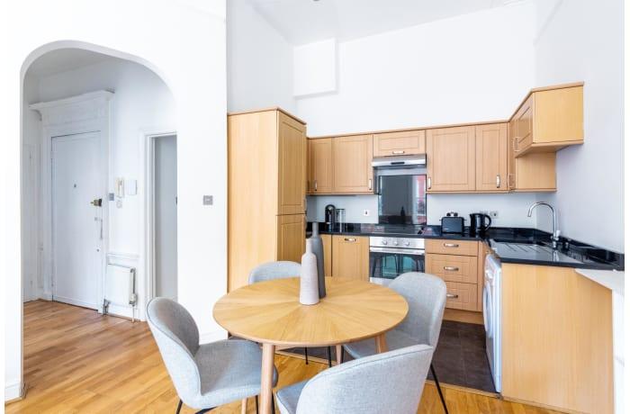 Apartment in Nottingham Place, Marylebone - 3