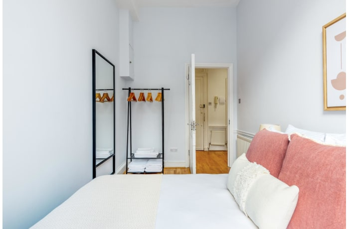 Apartment in Nottingham Place, Marylebone - 9