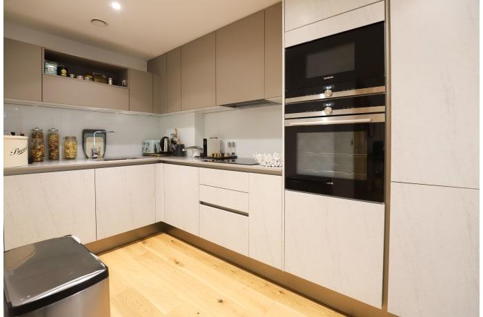Apartment in Paddington View, Paddington - 8