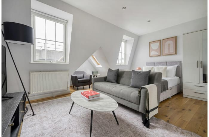 Apartment in Bateman V, Soho - 1