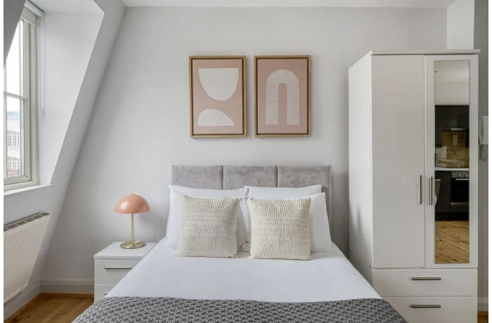 Apartment in Bateman V, Soho - 8