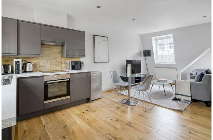 Apartment in Bateman V, Soho - 4