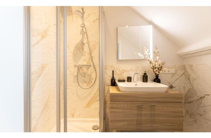 Apartment in Roses Modern Luxury, Limpertsberg - 10