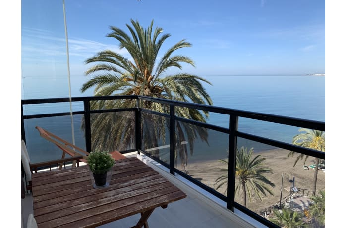 Apartment in Arias II, Marbella - 11