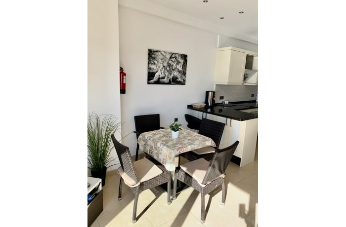 Apartment in Arias III, Marbella - 8