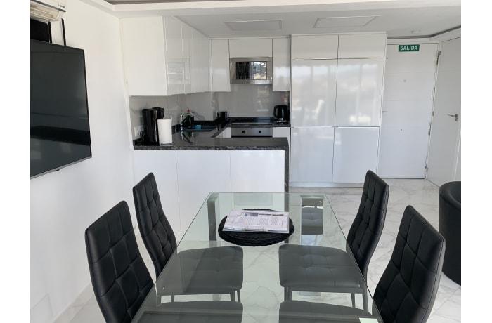 Apartment in Arias Superior II, Marbella - 2