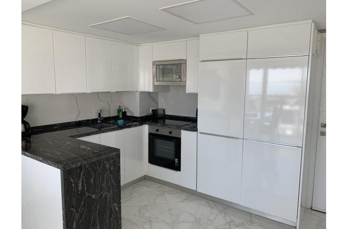 Apartment in Arias Superior II, Marbella - 13