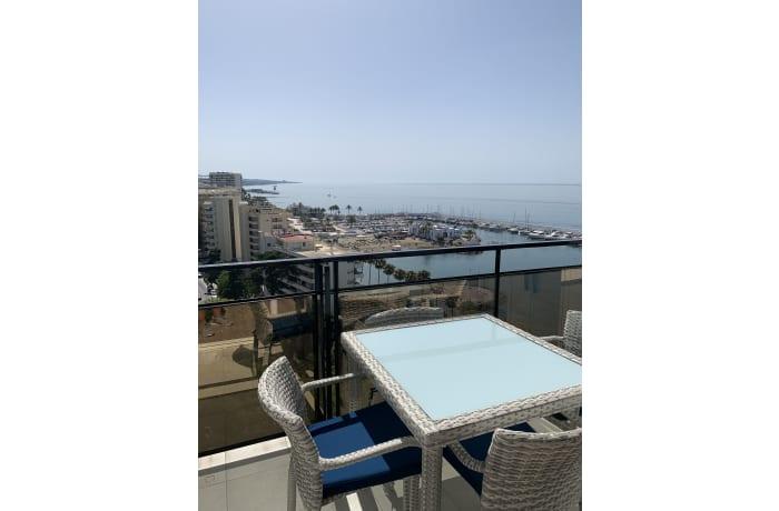 Apartment in Arias Superior, Marbella - 14