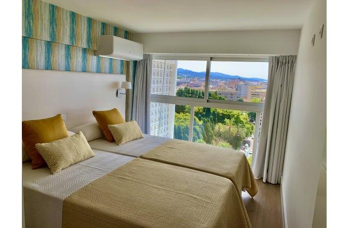 Apartment in Arias Superior, Marbella - 11