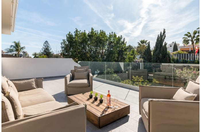 Apartment in Villa Mariposa, Marbella - 17