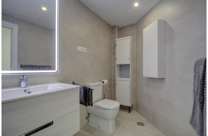 Apartment in Albatross Hills, Nueva Andalucia - 5