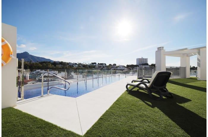 Apartment in Albatross Hills, Nueva Andalucia - 0