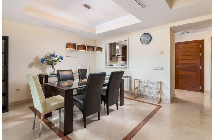 Apartment in Hacienda El Palmeral, Nueva Andalucia - 4