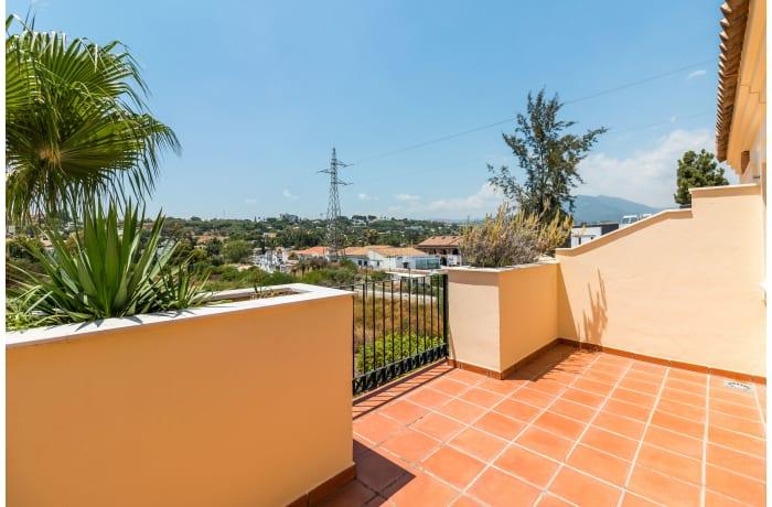 Apartment in Hacienda El Palmeral, Nueva Andalucia - 19