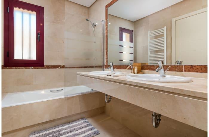 Apartment in Hacienda El Palmeral, Nueva Andalucia - 12