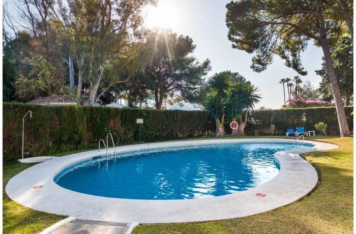 Apartment in Los Pinos, Nueva Andalucia - 0