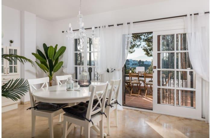 Apartment in Los Pinos, Nueva Andalucia - 3