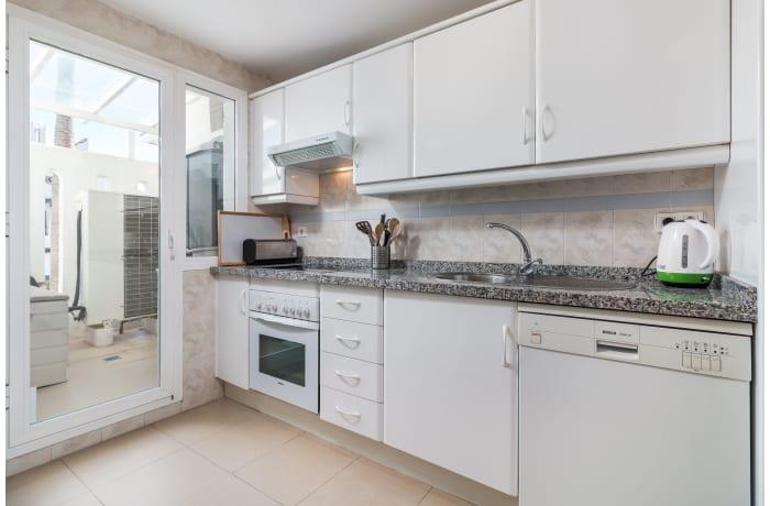 Apartment in Los Naranjos, Puerto Banus - 6