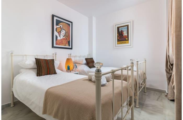 Apartment in Los Naranjos, Puerto Banus - 11