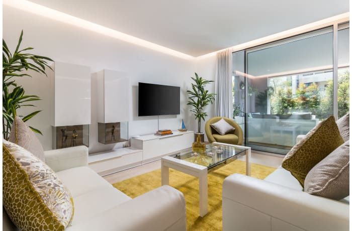 Apartment in Royal Banus I, Puerto Banus - 2