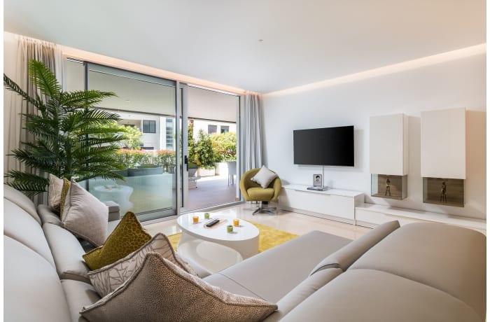 Apartment in Royal Banus II, Puerto Banus - 2