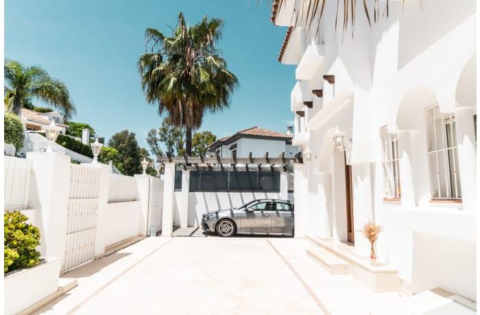 Apartment in Villa La Sala, Puerto Banus - 0