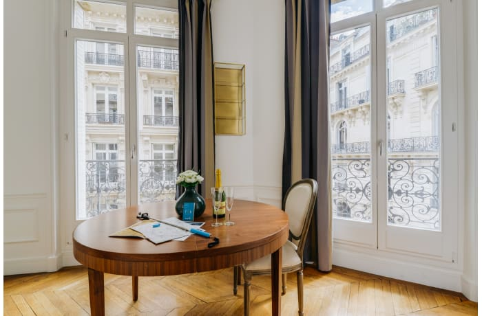 Apartment in Cerisoles IV, Champs-Elysées (8e) - 8