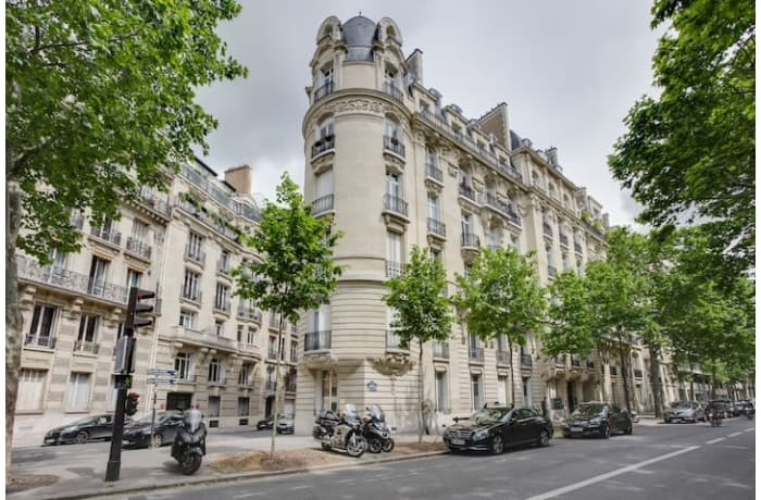 Apartment in Victor Hugo Luxury, Tour Eiffel - Trocadero (16e) - 17