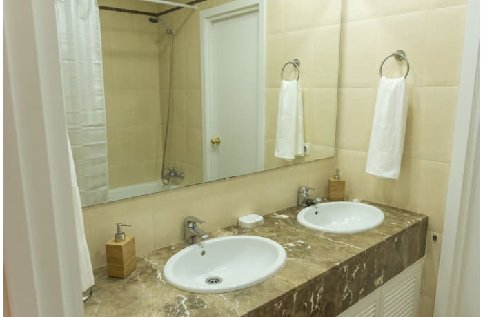 Apartment in San Isidoro Central Deluxe, City center - 8
