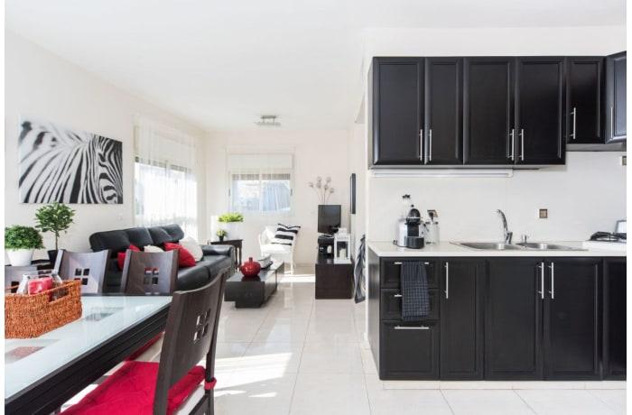 Apartment in Ben Yehuda Duplex, Central Beach Area - 4